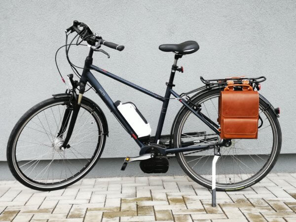 city-bicycle-leather-bags