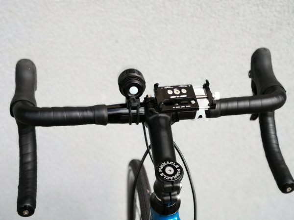 bicycle-phone-handlebar-mount