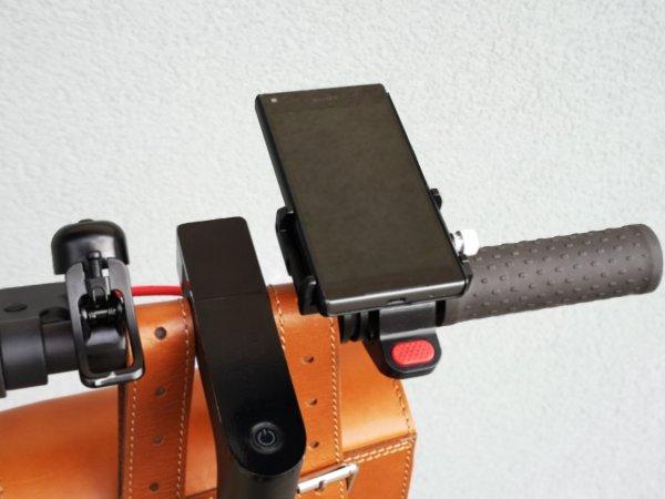 paspirtuko-telefono-vairo-laikiklis